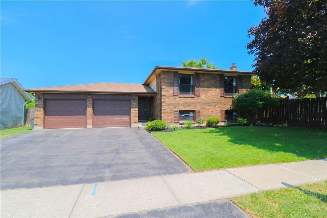 House for sale at 21 Mcmaster Dr Caledonia Ontario - MLS: H4081877