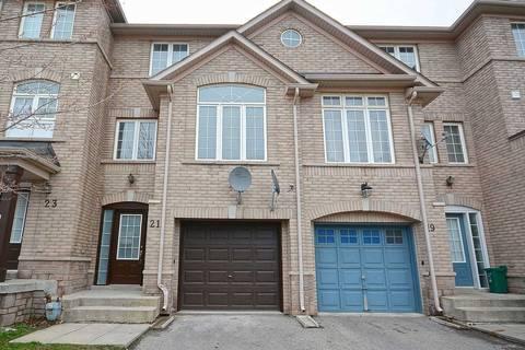 Townhouse for sale at 21 Oban Rd Brampton Ontario - MLS: W4444844