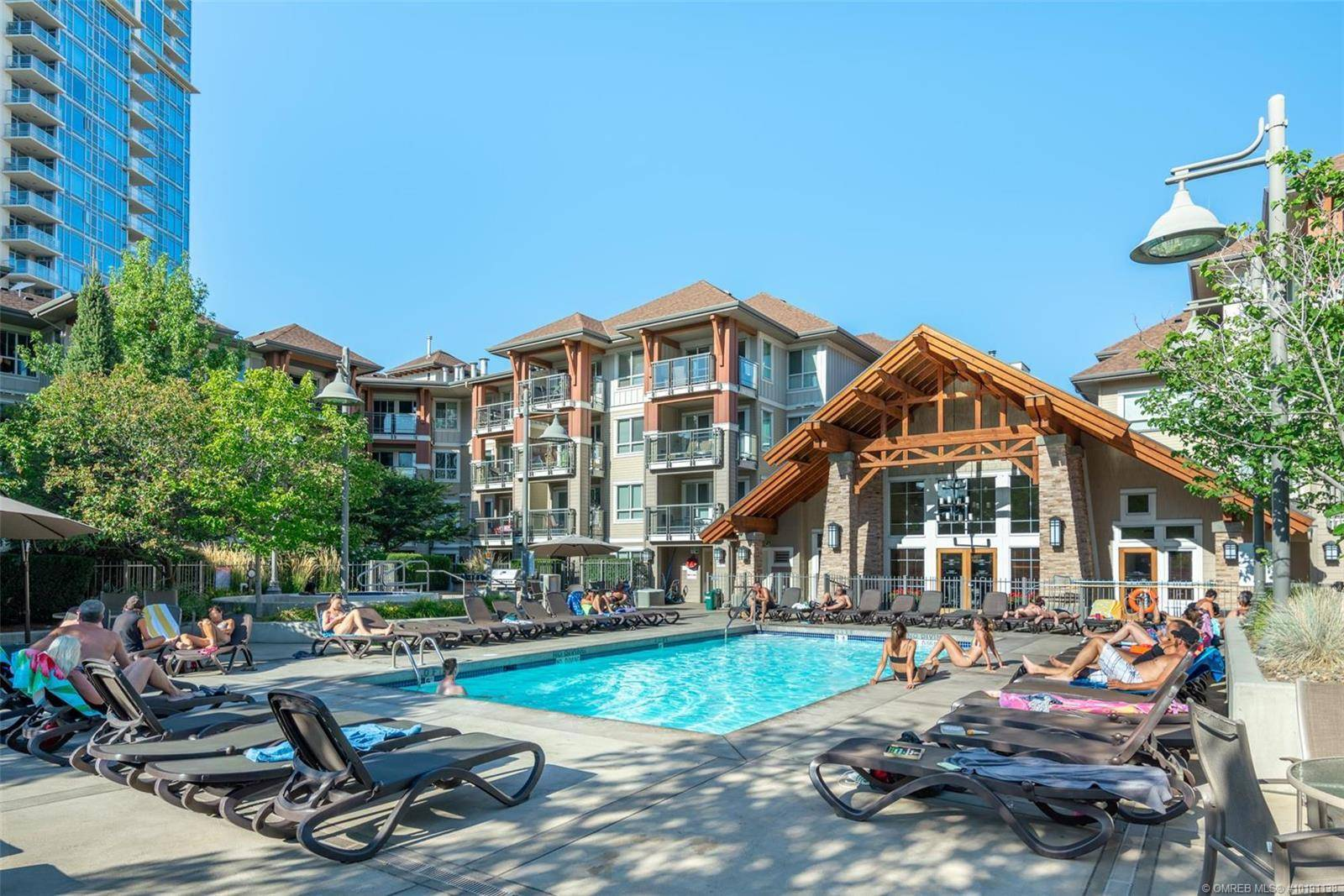 Condo for sale at 1083 Sunset Dr Unit 210 Kelowna British Columbia - MLS: 10191138
