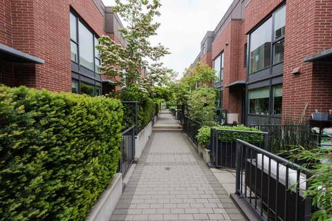 Townhouse for sale at 1961 Collingwood St Unit 210 Vancouver British Columbia - MLS: R2349298