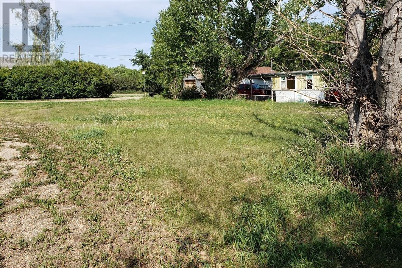 Residential property for sale at 210 2nd St W Lafleche Saskatchewan - MLS: SK819316