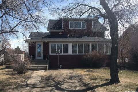 House for sale at 210 4th St E Wynyard Saskatchewan - MLS: SK809018