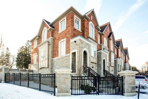 Townhouse for sale at 210 Appleton Ct Newmarket Ontario - MLS: N4423840