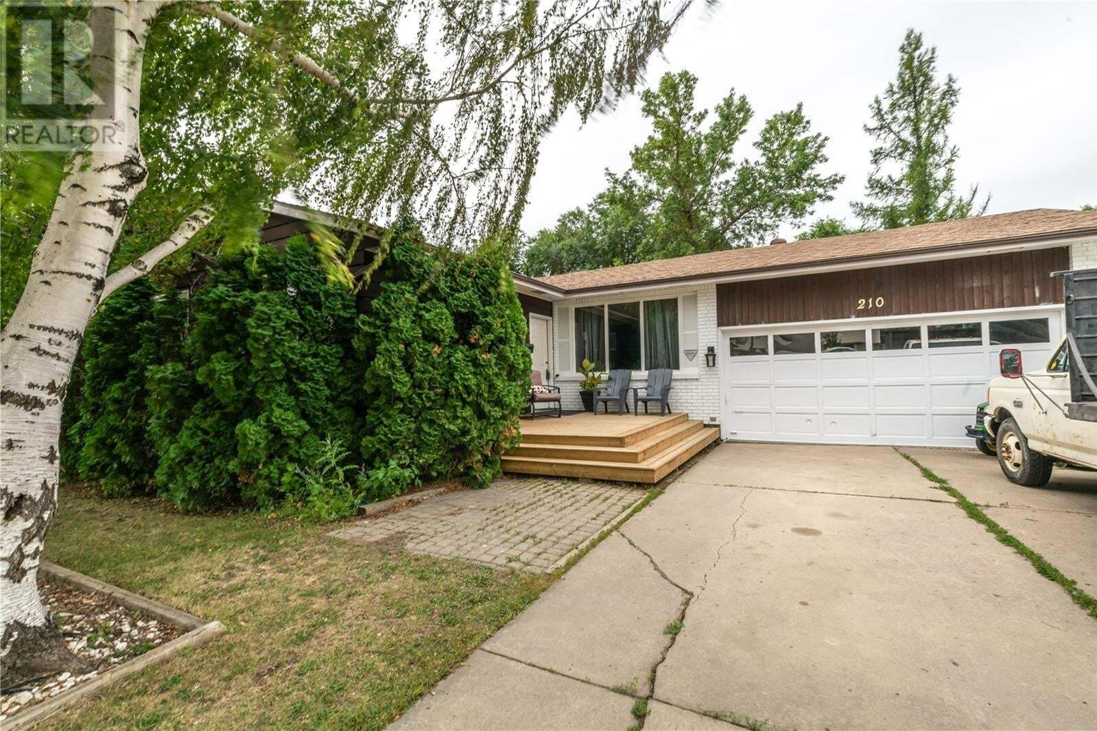 House for sale at 210 Begg Cres Saskatoon Saskatchewan - MLS: SK821182