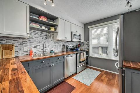 Townhouse for sale at 210 Coachway Ln Southwest Calgary Alberta - MLS: C4257173