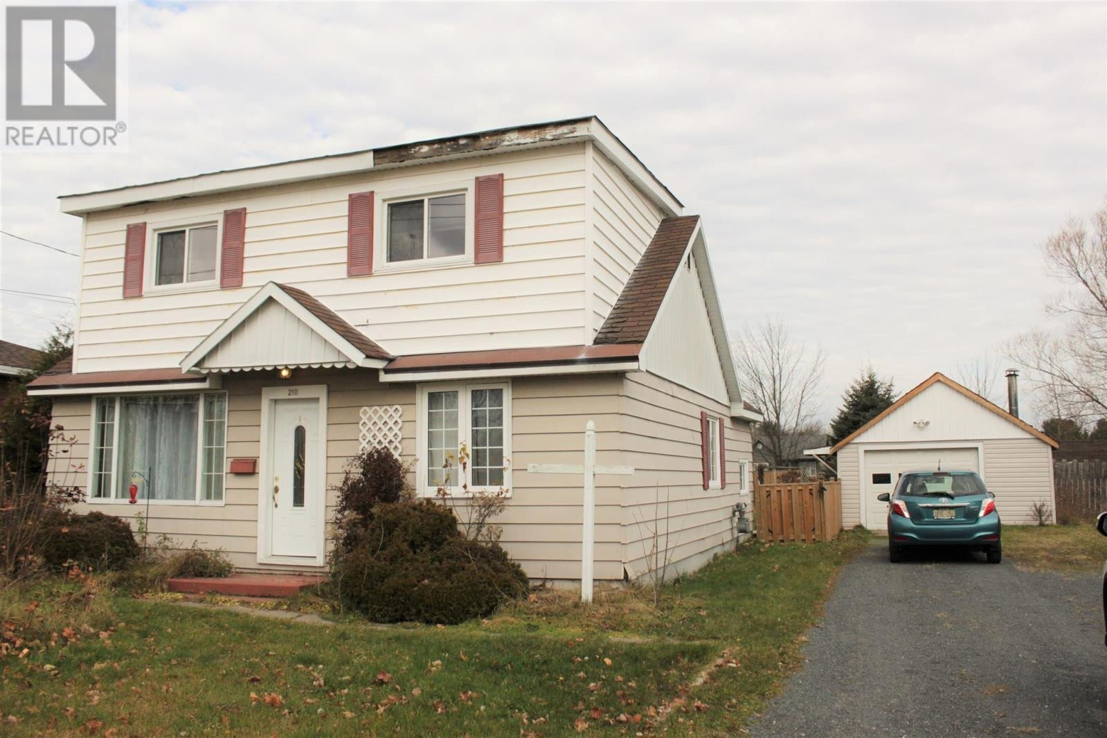 House for sale at 210 Dacey Rd Sault Ste. Marie Ontario - MLS: SM130350