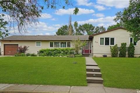 House for sale at 210 Edward St Strasbourg Saskatchewan - MLS: SK813742