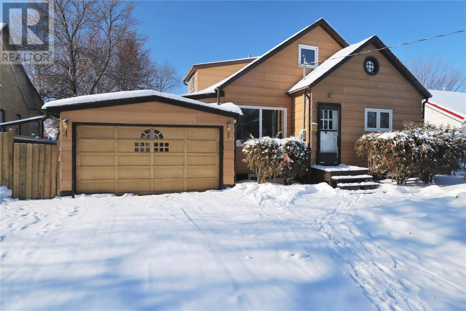 House for sale at 210 First Ave Yorkton Saskatchewan - MLS: SK759626