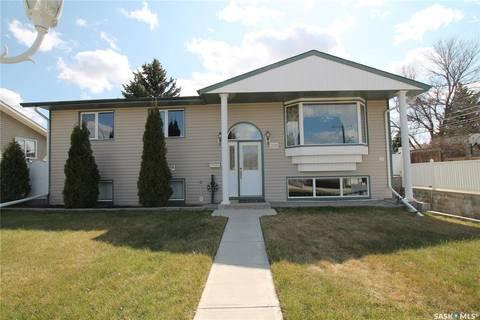 House for sale at 210 Gibbs St E Swift Current Saskatchewan - MLS: SK771404