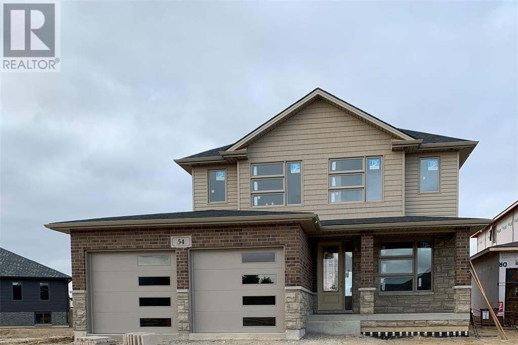 Home for sale at 210 Hudson Cres Wallaceburg Ontario - MLS: 20004134