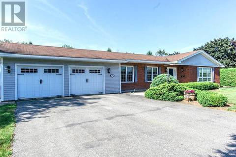 House for sale at 210 Renshaw Rd Rothesay New Brunswick - MLS: NB022045