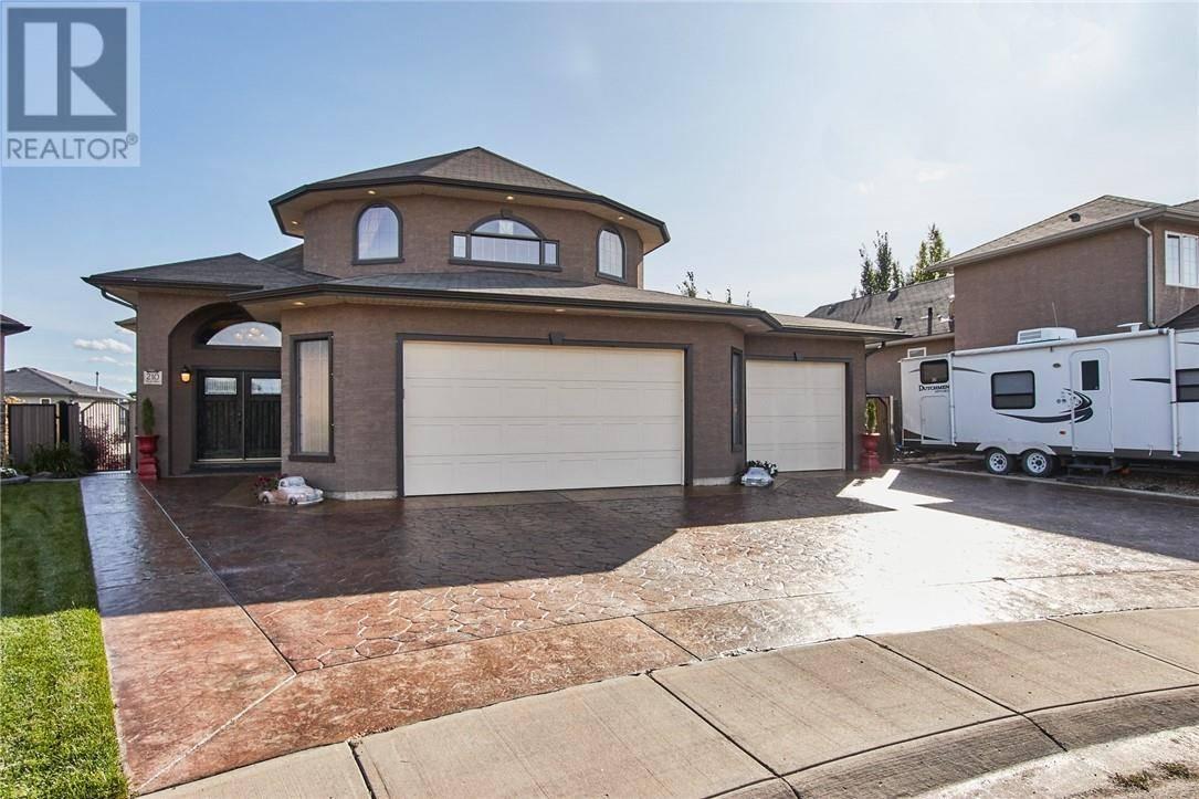 House for sale at 210 Vista Cs Se Medicine Hat Alberta - MLS: mh0180082