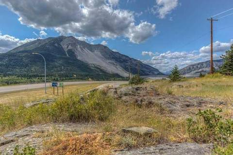 Residential property for sale at 2101 213 St Crowsnest Pass Alberta - MLS: C4245544