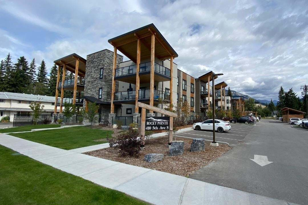 Townhouse for sale at 410 5th Ave Unit 2101 Golden British Columbia - MLS: 2454207