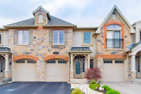 Townhouse for sale at 2101 Tovell Dr Oakville Ontario - MLS: W4447124