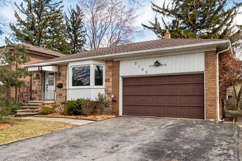 House for sale at 2103 Cliff Rd Mississauga Ontario - MLS: W4409402