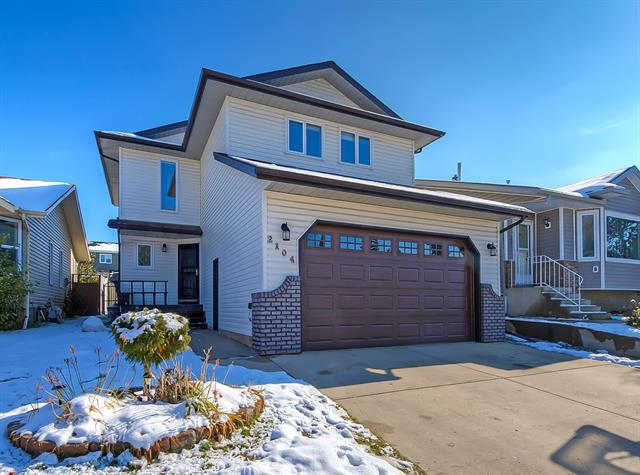 Sold: 2104 Morris Road Southeast, Airdrie, AB