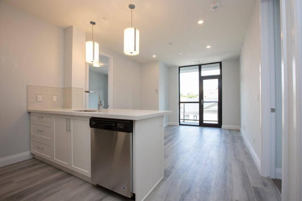Apartment for rent at 101 Locke St S Unit 211 Hamilton Ontario - MLS: H4061233