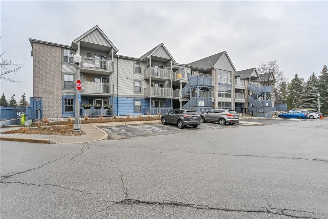 Condo for sale at 2010 Cleaver Ave Unit 211 Burlington Ontario - MLS: H4095688