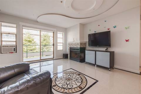 Condo for sale at 20140 56 Ave Unit 211 Langley British Columbia - MLS: R2372420