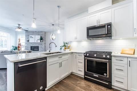 Condo for sale at 5380 Tyee Ln Unit 211 Chilliwack British Columbia - MLS: R2445761