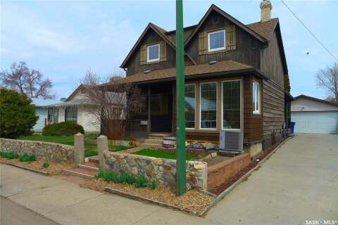 House for sale at 211 5th Ave W Biggar Saskatchewan - MLS: SK802922