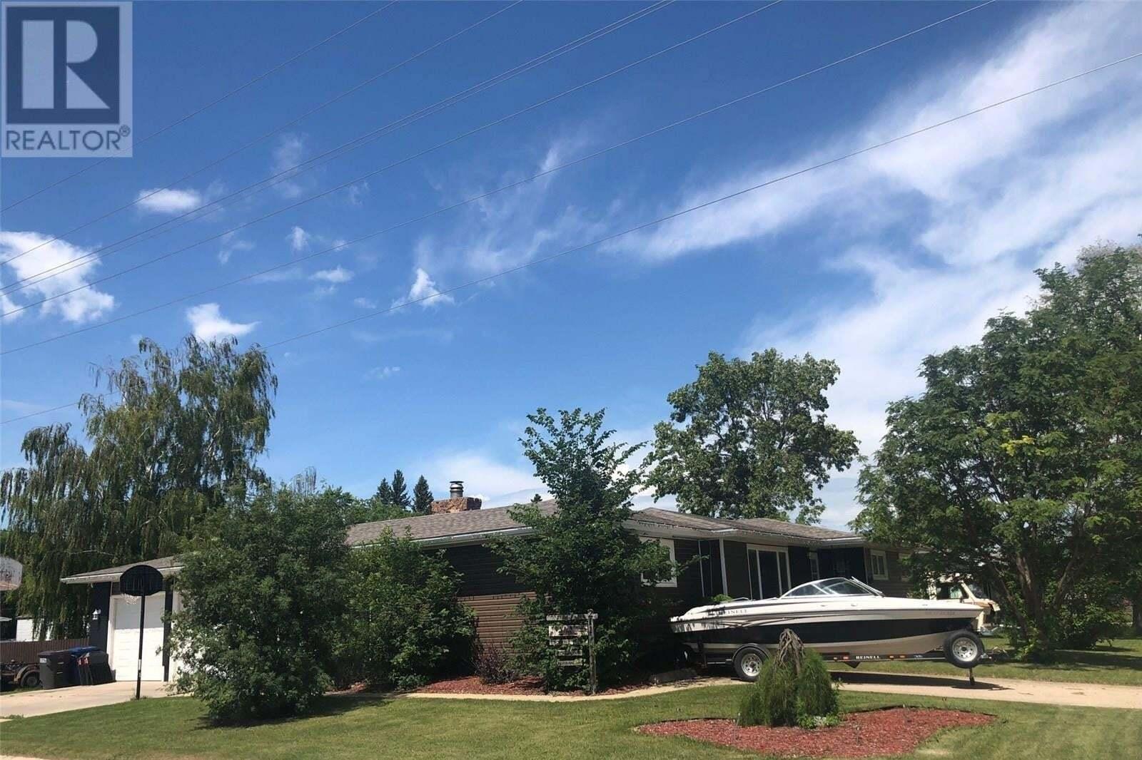 House for sale at 211 5th St Humboldt Saskatchewan - MLS: SK815710