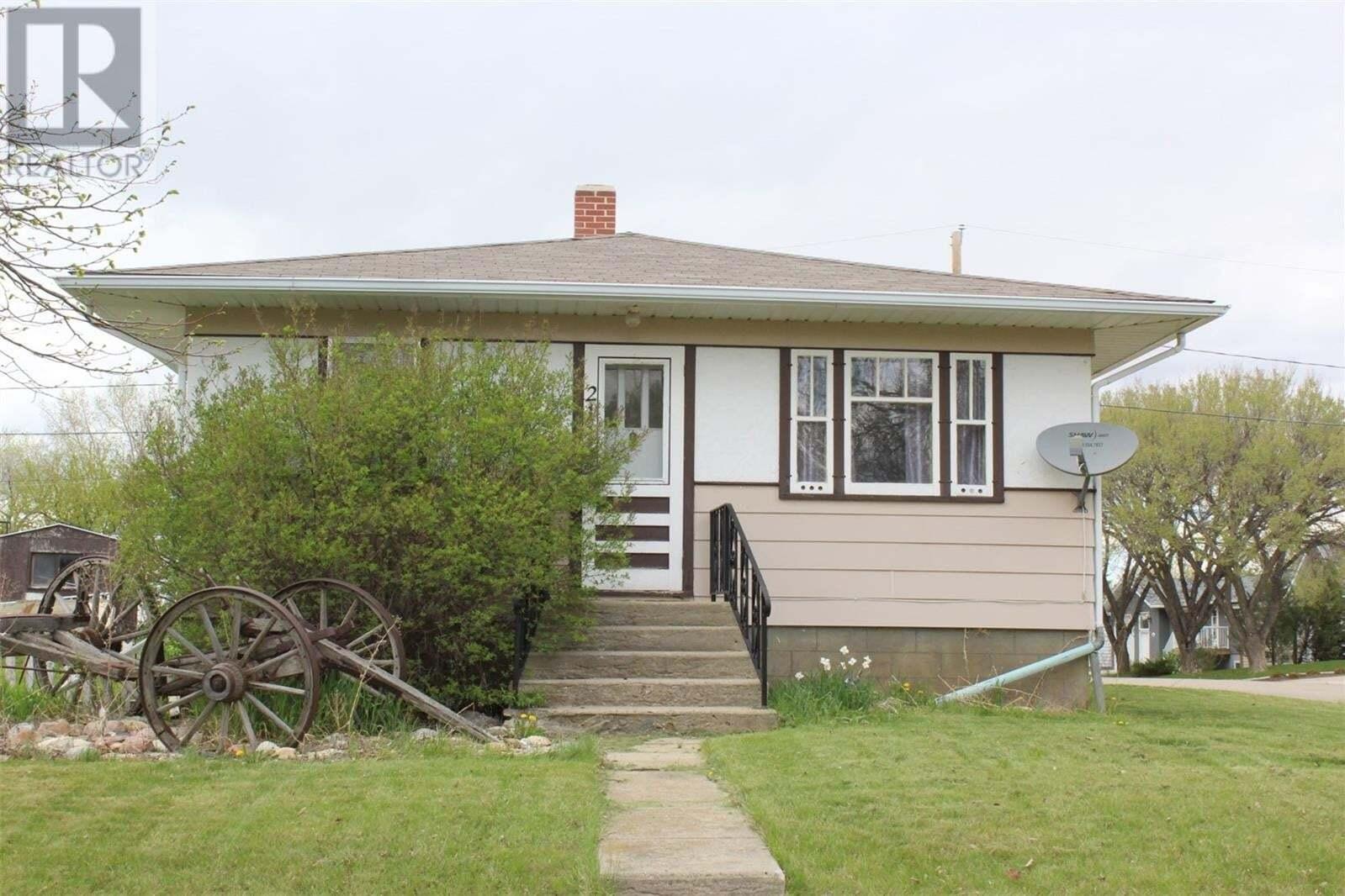House for sale at 211 6th Ave W Shaunavon Saskatchewan - MLS: SK817502