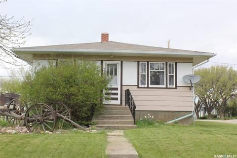 House for sale at 211 6th Ave W Shaunavon Saskatchewan - MLS: SK777810