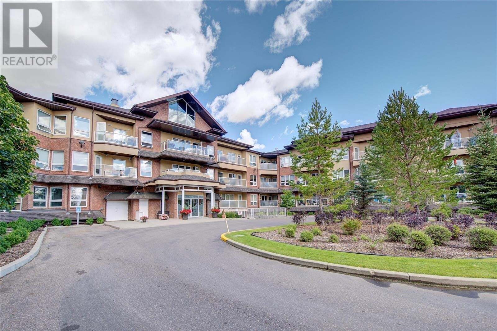 Condo for sale at 918 Heritage Vw Unit 211 Saskatoon Saskatchewan - MLS: SK825894