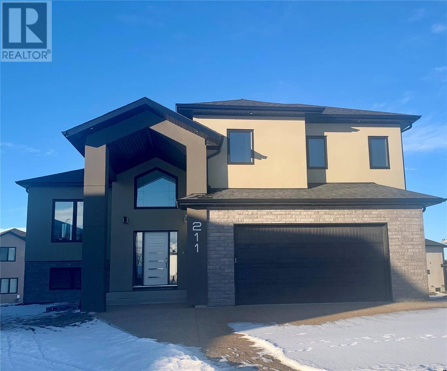 House for sale at 211 Burgess By Saskatoon Saskatchewan - MLS: SK786176