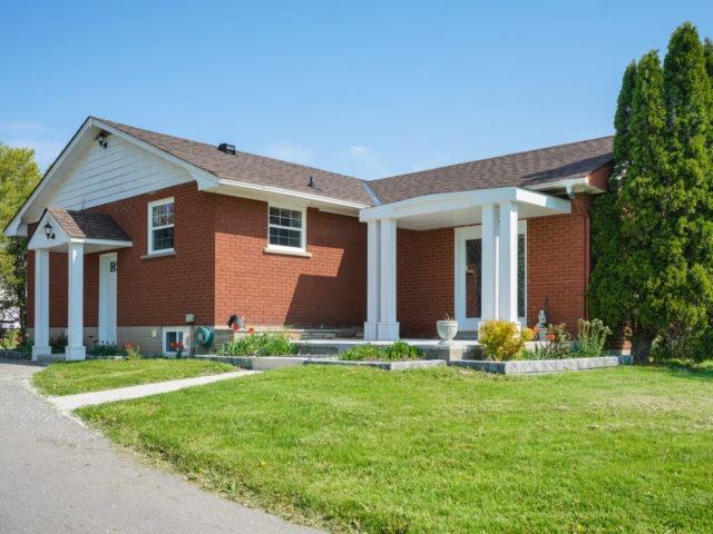For Sale: 211 Burnhamthorpe Road, Oakville, ON | 0 Bath Property for $2,100,000. See 20 photos!