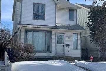 House for sale at 211 Castleridge Dr Northeast Calgary Alberta - MLS: C4293127