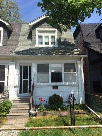 Townhouse for sale at 211 Cedarvale Ave Toronto Ontario - MLS: E4461441