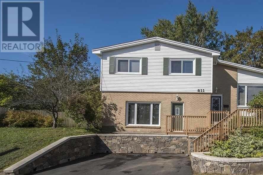 House for sale at 211 Crichton Ave Dartmouth Nova Scotia - MLS: 202011508