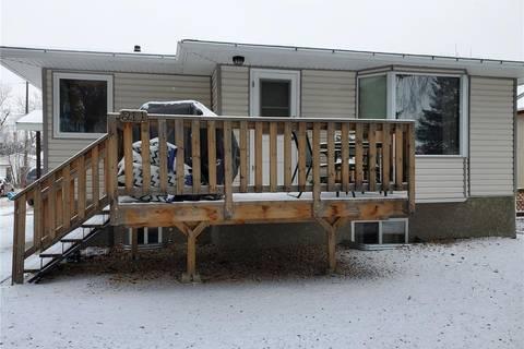 House for sale at 211 Cypress St Maple Creek Saskatchewan - MLS: SK793474