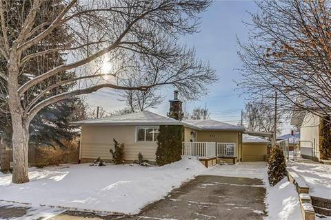 House for sale at 211 Flavelle Rd Southeast Calgary Alberta - MLS: C4285092