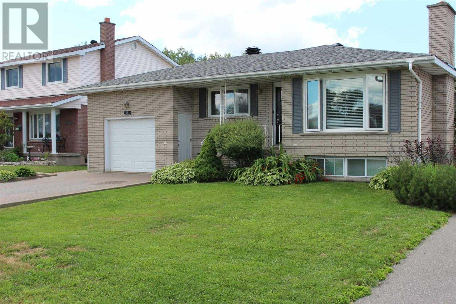 House for sale at 211 Grand Blvd Sault Ste. Marie Ontario - MLS: SM129348
