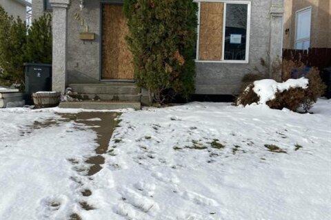 House for sale at 211 Mt Crandell Cres W Lethbridge Alberta - MLS: A1045173
