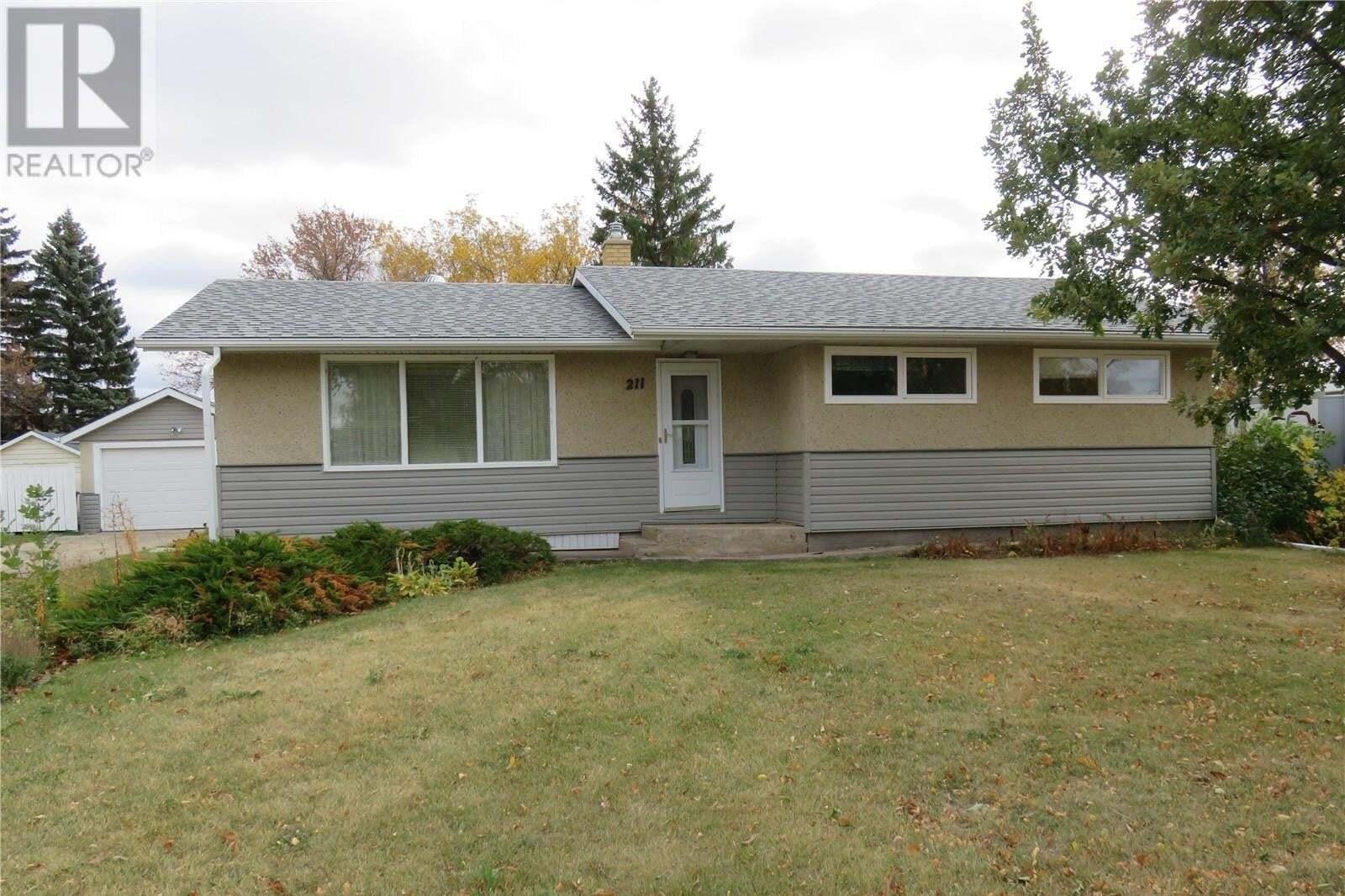 House for sale at 211 Pierce St Strasbourg Saskatchewan - MLS: SK830511