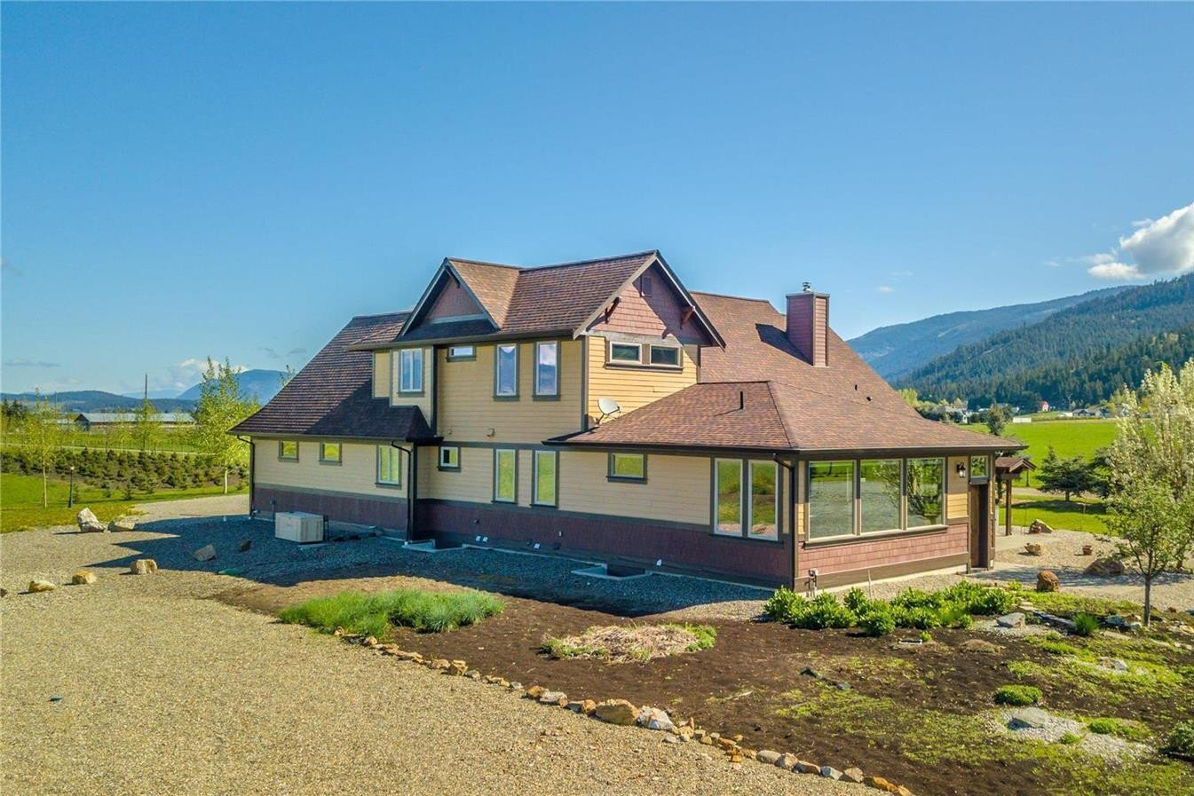 Home for sale at 211 Pleasant Valley Cross Rd Armstrong British Columbia - MLS: 10220353