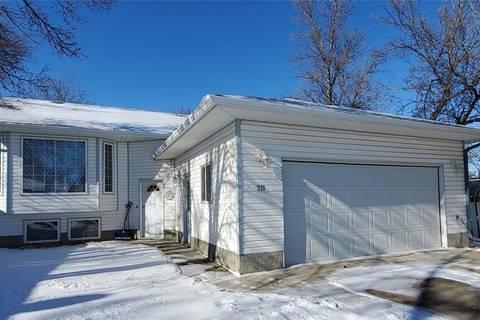 House for sale at 211 Sidney St Maple Creek Saskatchewan - MLS: SK791042