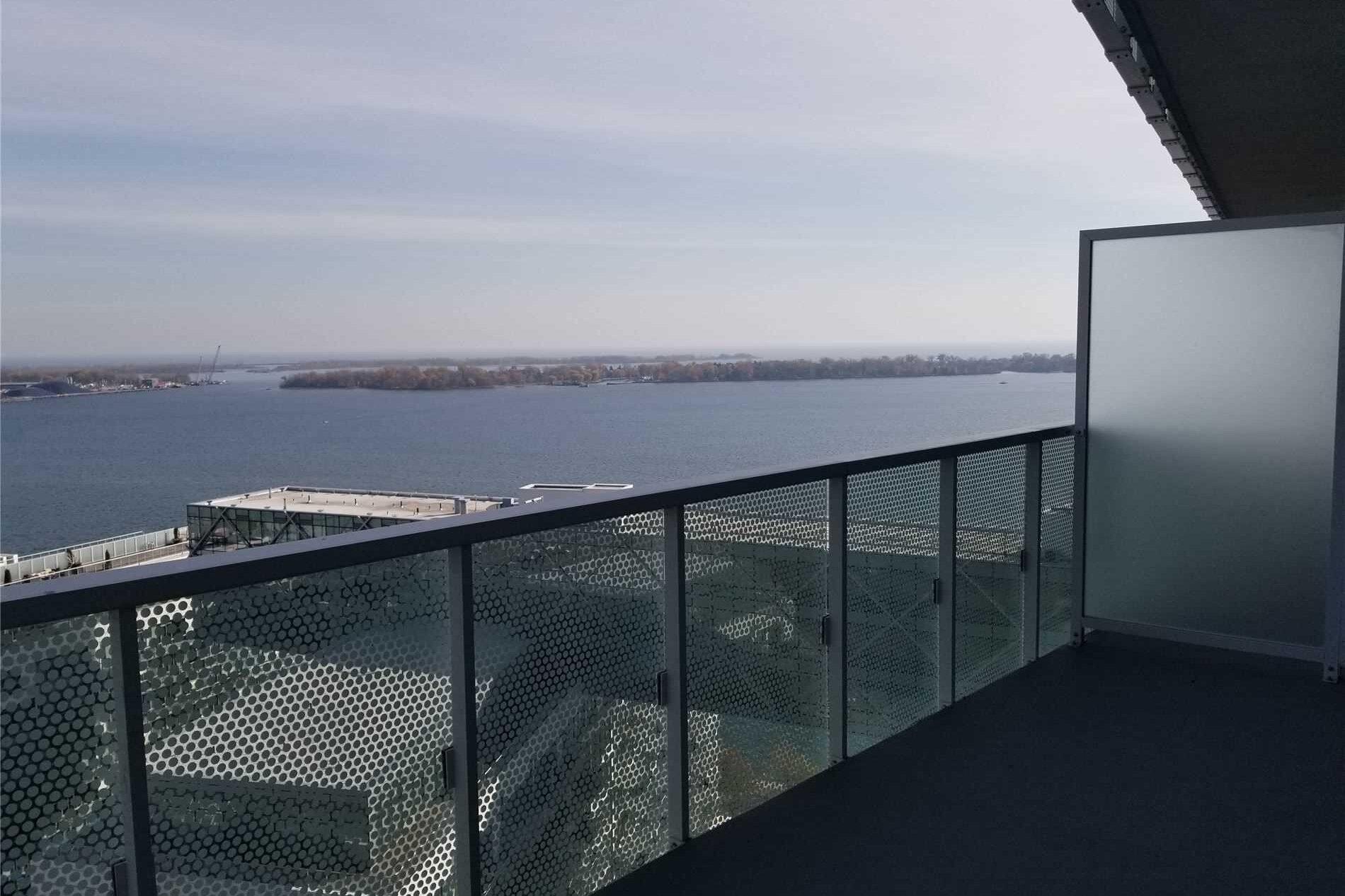 Apartment for rent at 15 Queens Quay Unit 2110 Toronto Ontario - MLS: C4966927