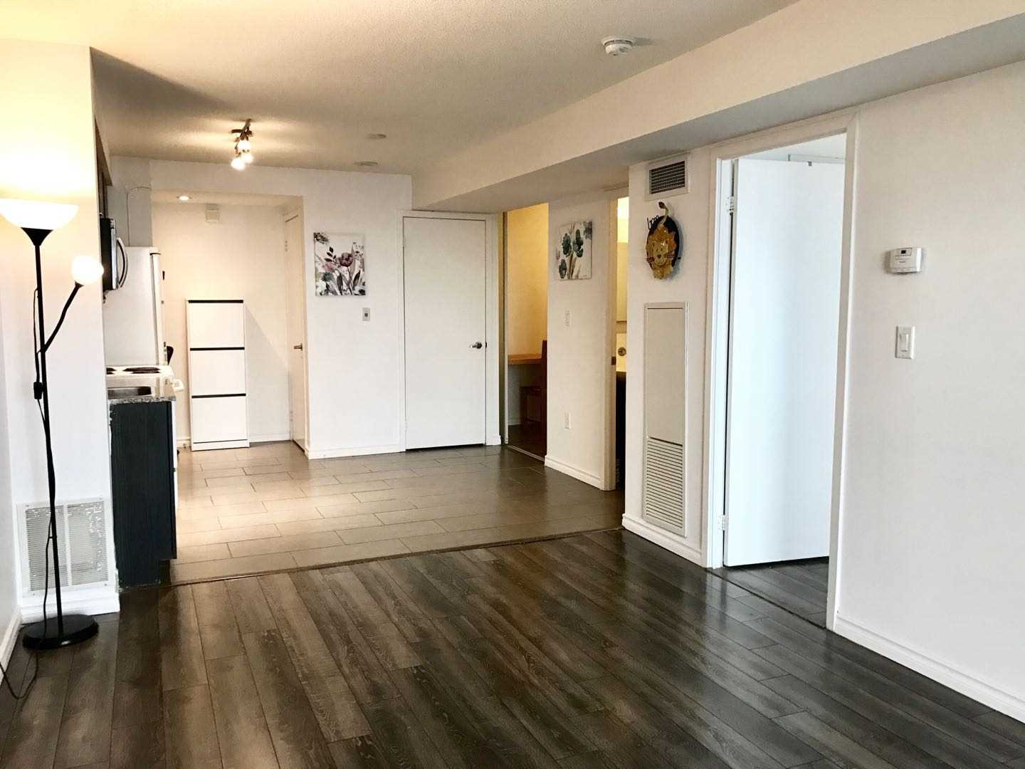 For Rent: 2111 - 15 Fort York Boulevard, Toronto, ON   1 Bed, 1 Bath Condo for $2450.00. See 20 photos!