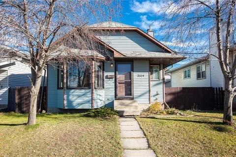 House for sale at 2114 19 St Ne Vista Heights, Calgary Alberta - MLS: C4214369