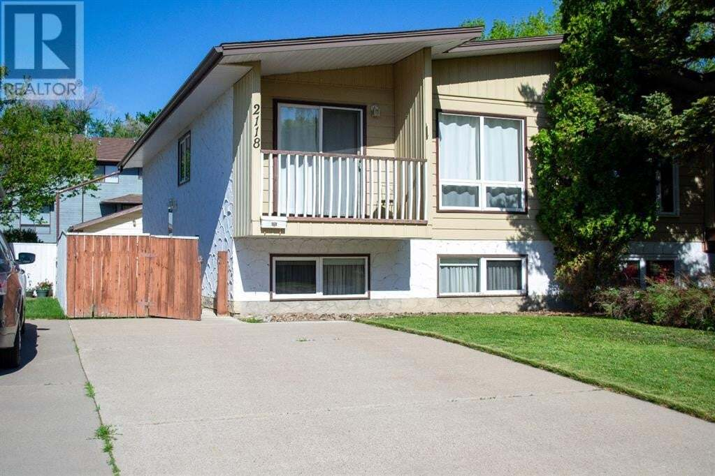 Townhouse for sale at 2118 17 St North Lethbridge Alberta - MLS: A1002702