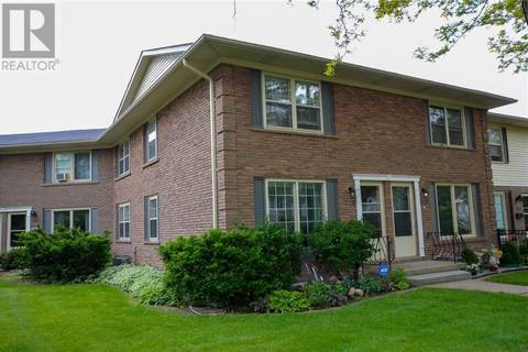 Townhouse for sale at 2118 Meadowbrook Rd Burlington Ontario - MLS: 30744865