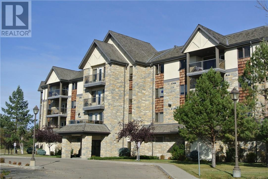 For Sale: 212 - 1622 Acadia Drive, Saskatoon, SK | 2 Bed, 2 Bath Condo for $264,900. See 23 photos!