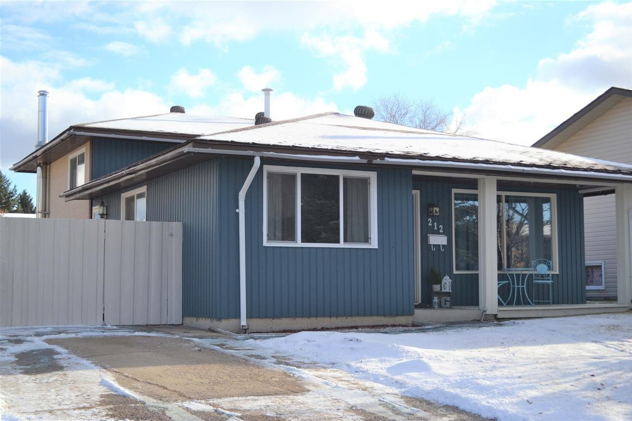 House for sale at 212 20 St Cold Lake Alberta - MLS: E4215812