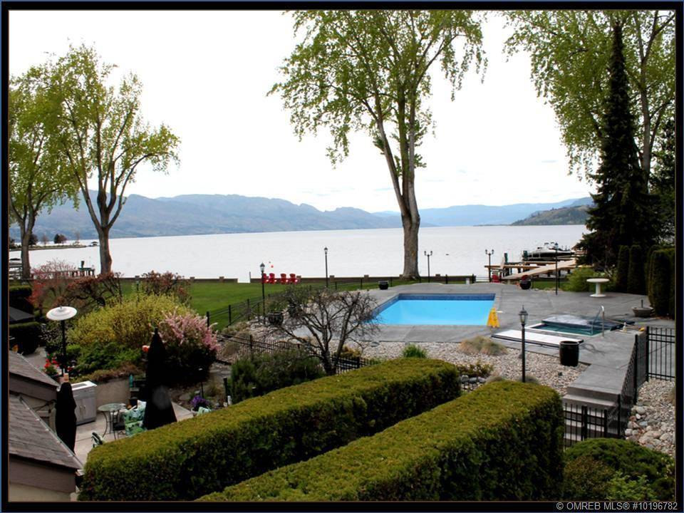 Townhouse for sale at 2900 Abbott St Unit 212 Kelowna British Columbia - MLS: 10196782